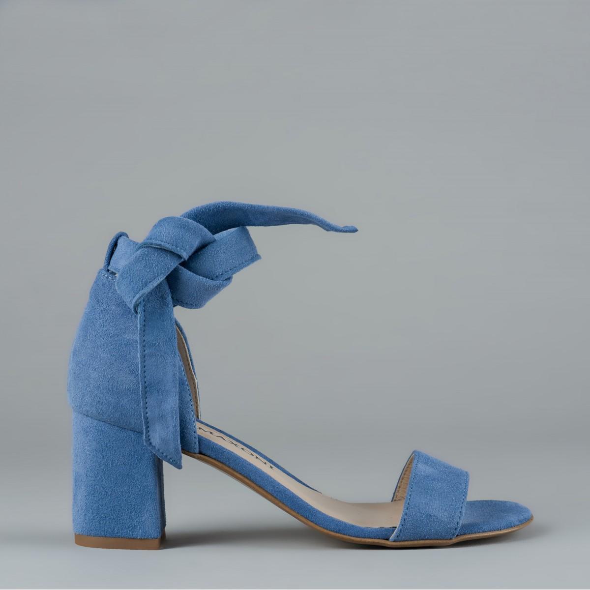 Błękitne sandały